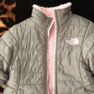 Girls Reversible North Face💕